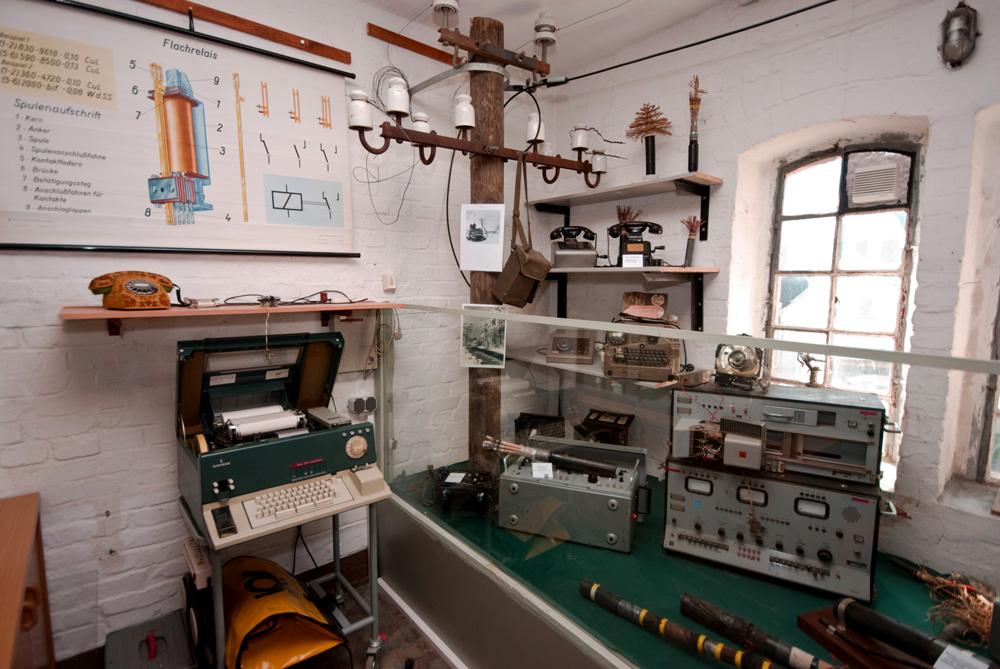 Fernmeldetechnik und Leitungsbau