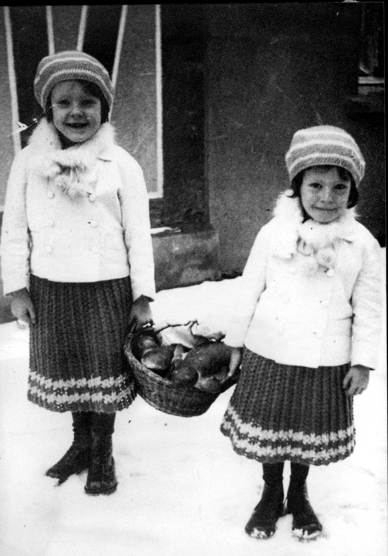 Lore und Dora Stoll
