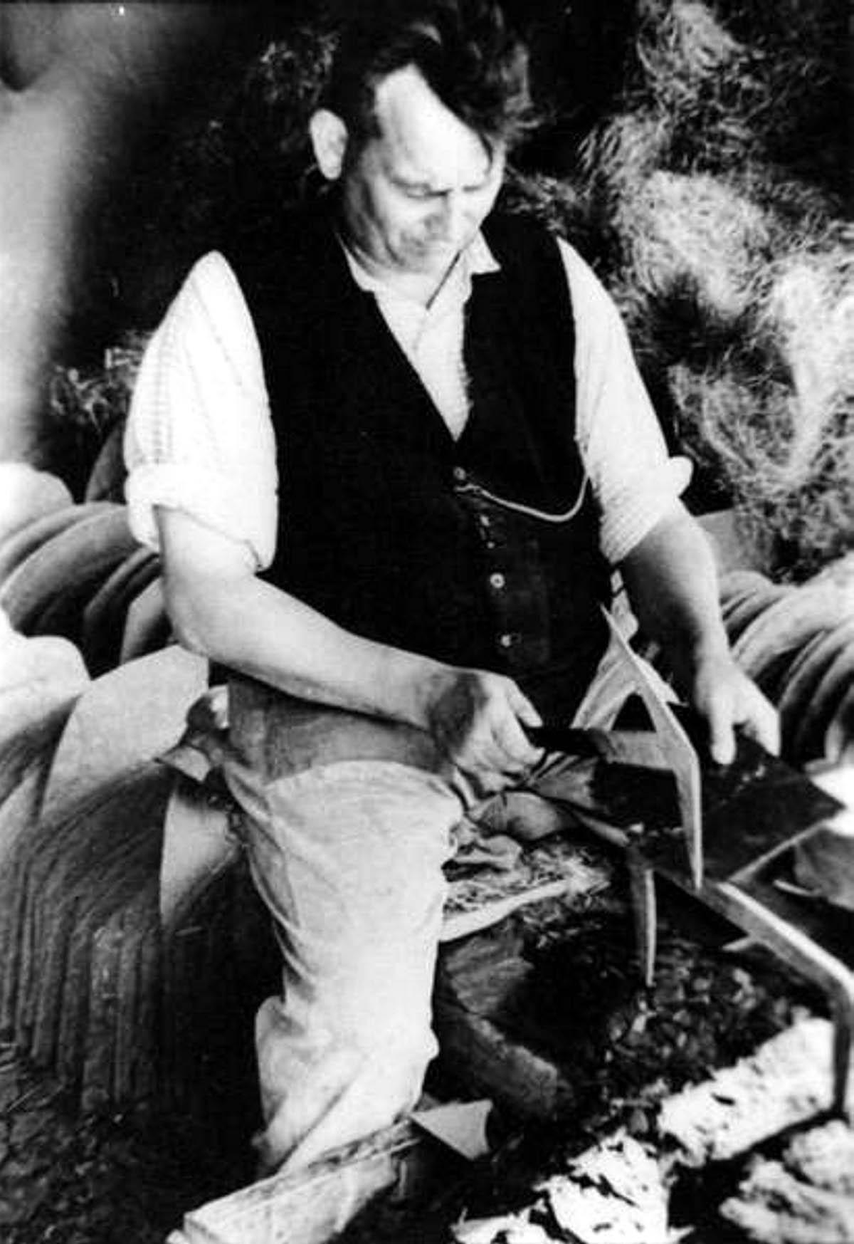 Willi Stolz,Herstellung Schieferschablonen web