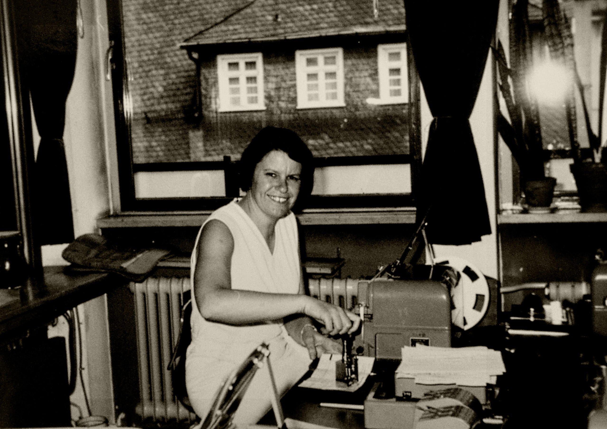 Ilse Müller bei der Arbeit im Fernamt